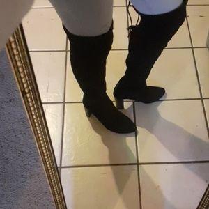 Black boots!!